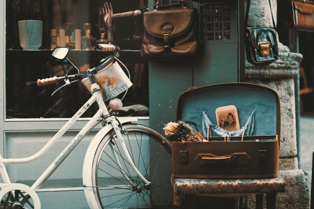 bicycle, vintage, street-1872682.jpg